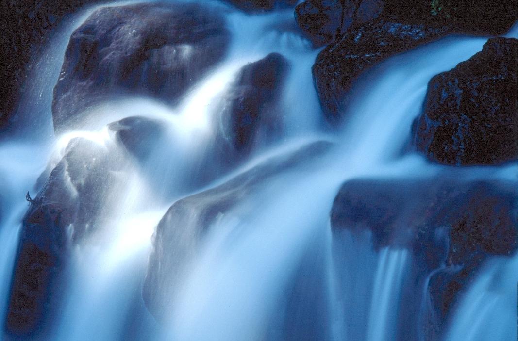 滝3-24100d.JPG